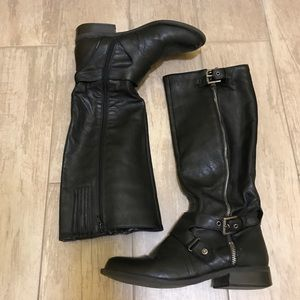 FALL sale! Black knee high riding Guess boots 7.5